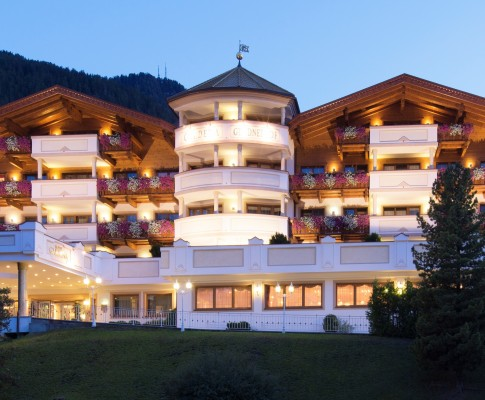 Hotel Gardena Grodnerhof  Dolomiti  Relais & Chateaux