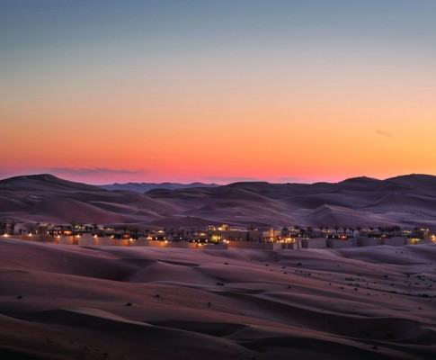 Abu Dhabi tra Deserto e Mare